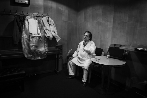 001 [Pandit Swapan Chaudhury waits in the Green Room]