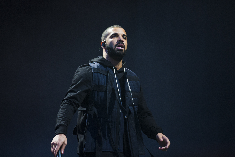 Drake: Drake At Wireless Festival 2015